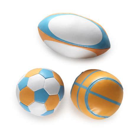 mini panier de basket pour chambre mes premières balles de sport de babytolove balles