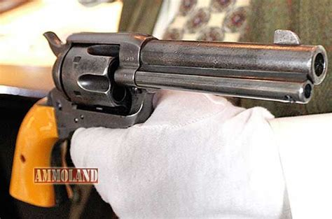 pin by industries on guns and magazine speedloaders guns weapons weapons guns