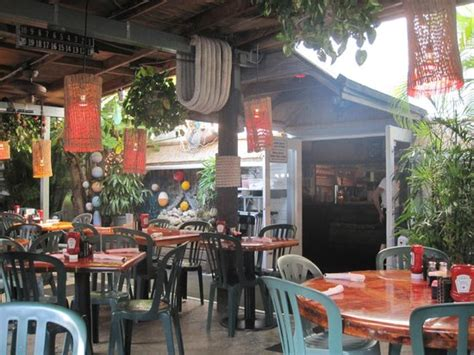 awesome atmosphere picture of two friends patio