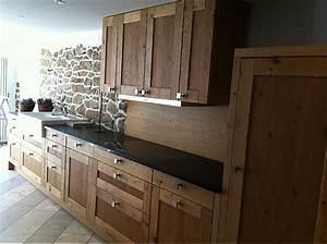 Granitplatte Küche Preis : eggersmann musterk che verkauft hochwertige landhaus holz k che mit granitplatte ~ Markanthonyermac.com Haus und Dekorationen