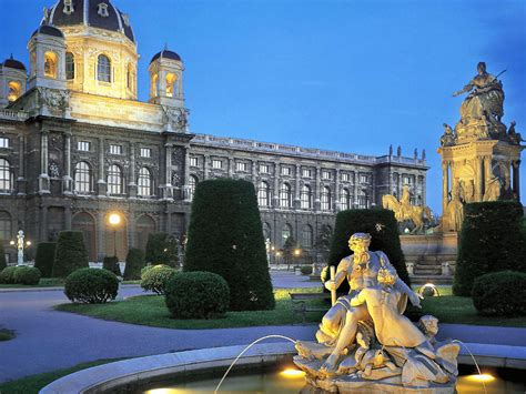 tour bureau vienna austria travel guide tourist destinations