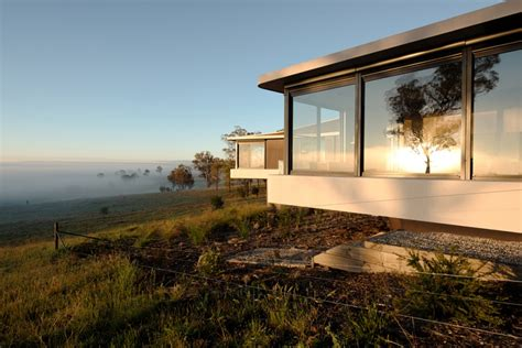 modern rural architecture australia modern countryside house with unique views of the meadows in australia freshome com