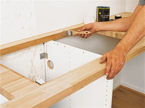 fixation plan de travail cuisine fixer plan de travail au mur maison design bahbe com