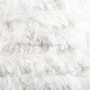 Tapis Blanc Poil Long : coussin poil long blanc coussin et housse de coussin eminza ~ Teatrodelosmanantiales.com Idées de Décoration