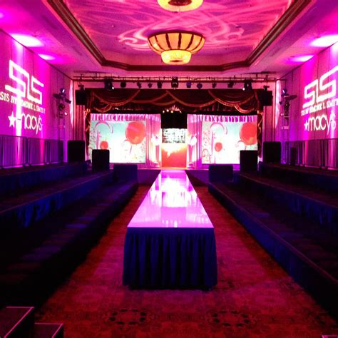 runway rental for fashion show stages in new york city los angeles las vegas nationwide