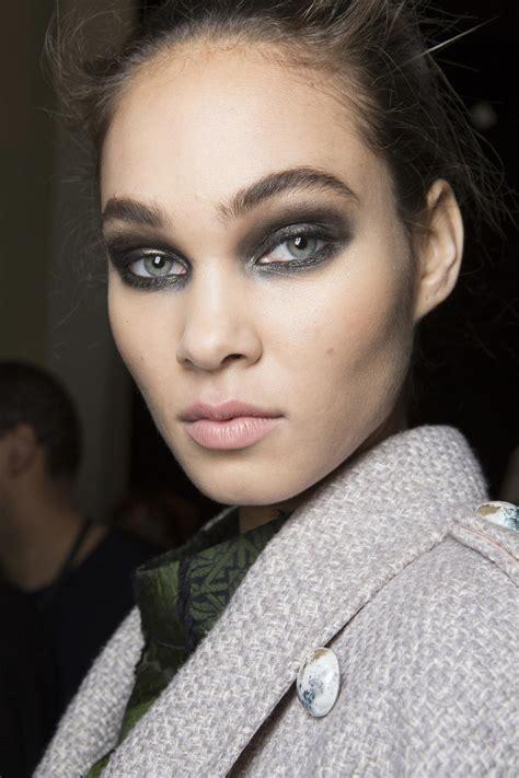 runway beauty glitter eye  elie saab aw  makeup