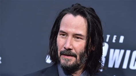 keanu reeves announces casting johnny silverhand cyberpunk