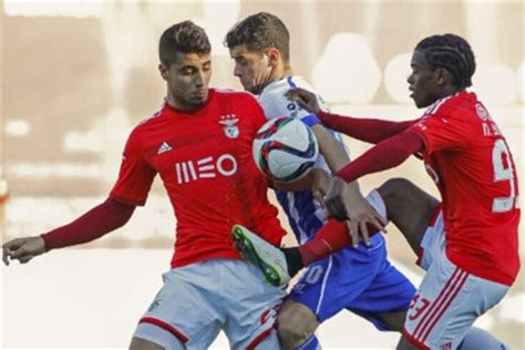 The benfica b vs fc porto b statistical preview features head to head stats and analysis, home / away tables and scoring stats. Benfica B derrota FC Porto B