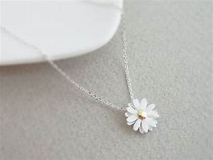 Cute silver plated daisy flower pendant necklace, Everyday ...
