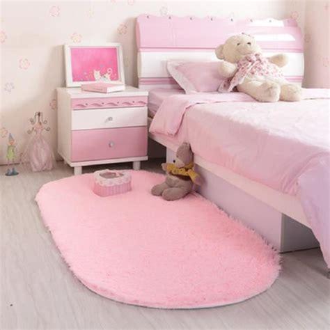 grand tapis chambre grand tapis chambre couleur taupe et pour une dco