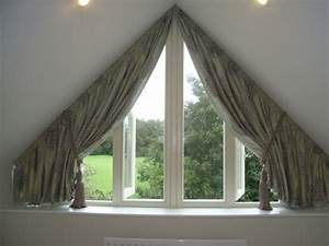 Vorhang Für Dachschräge : tolle ideen wie sie ihr dreiecksfenster verdunkeln n hen pinterest fenster gardinen und ~ Markanthonyermac.com Haus und Dekorationen