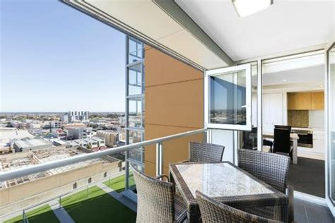 Adelaide Appartments by Two Bedroom Sky View Apartment Picture Of Istay Precinct
