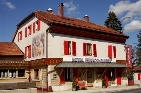 modern cinema les rousses restaurant gastronomique les rousses jura vaud arbezie pays de gex geneve hotel de charme