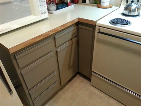 Can Kitchen Cabinets Be Painted Image To U