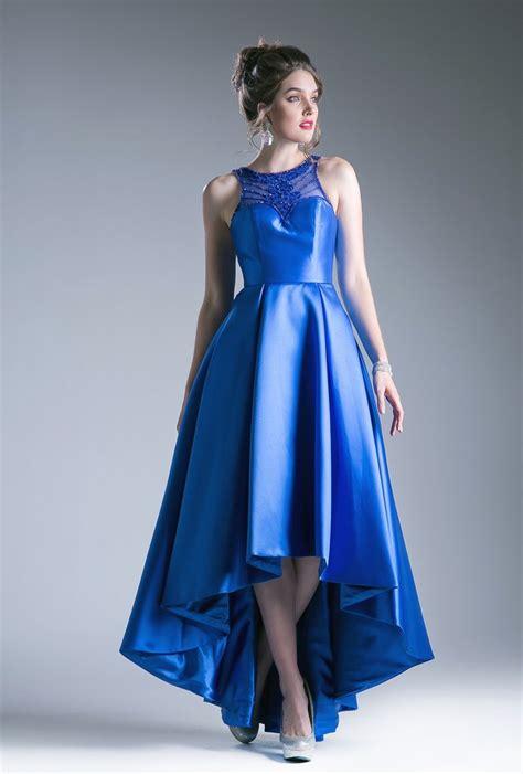inspirasi desain baju pesta terbaru  wanita alinea satu