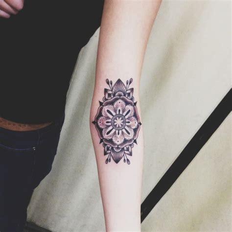 tatouage avant bras  idees cool pour hommes  femmes