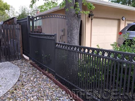 18 Best Traditional Picket Fences Images On Pinterest