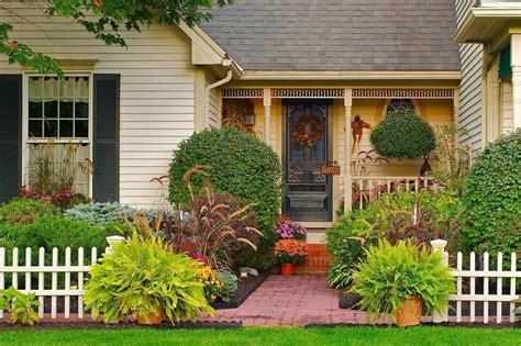 inspirasi taman depan rumah kamu suka