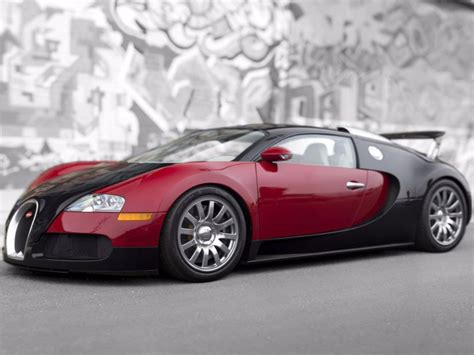 First Bugatti Veyron Produced Sells For .8 Million At