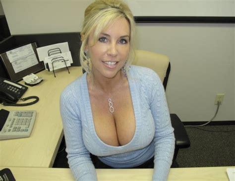 Pretty Blonde With Massive Cleavage Private Milf Pics