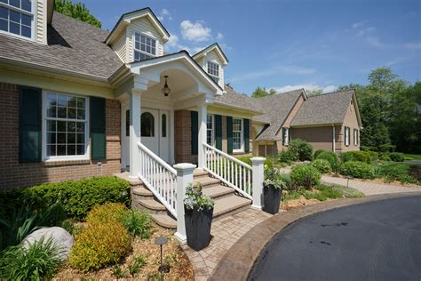covered front porch just sold 46540 pickford northville 3116 sqft 4