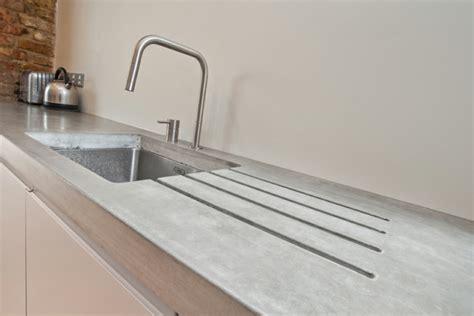 Beton Wand Küche Arbeitsplatte Spüle Simpel Minimalistisch