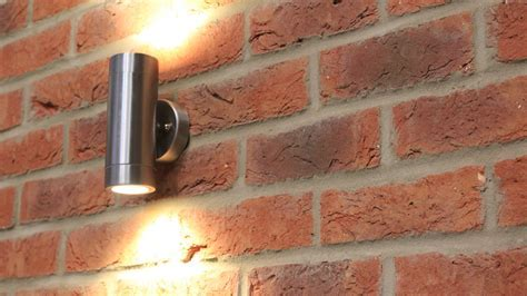 Choosing and Fitting an Exterior Wall Light   How to Fit a