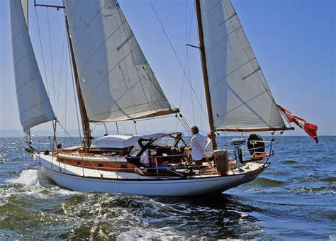 Sailing Boat Yawl by Cruising Sailboat Rigs Ketches Yawls And Schooners