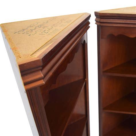 Discount Bookshelves by 90 Broyhill Broyhill Triangular Corner Bookshelves