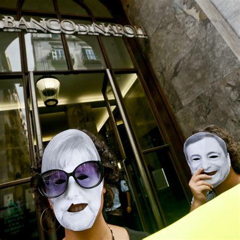 sede centrale banco di napoli dimostranti anti bce nella sede banco di napoli 1 di