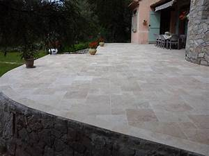 Dallage Travertin Extérieur : travertin opus 4 mix beige pour terrasse vente de pierre ~ Edinachiropracticcenter.com Idées de Décoration
