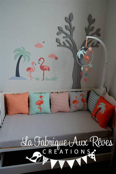 deco arbre chambre bebe décoration chambre bébé flamant mint corail saumon