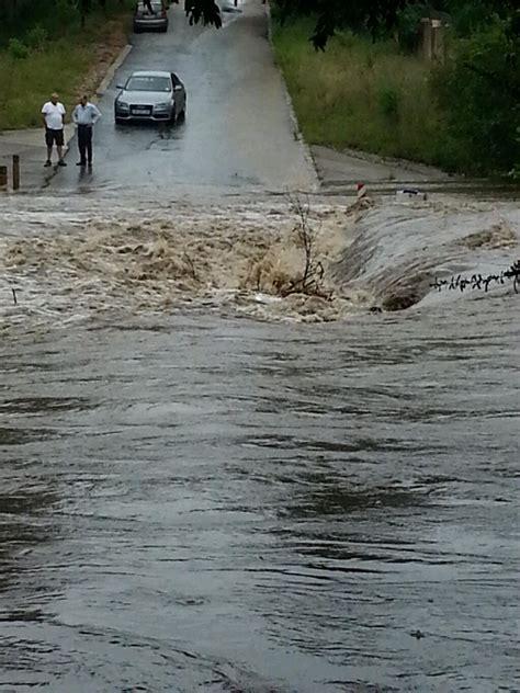 johannesburg flooding joburg last bridge fourways rainy prepares season chartwell 3rd via road za