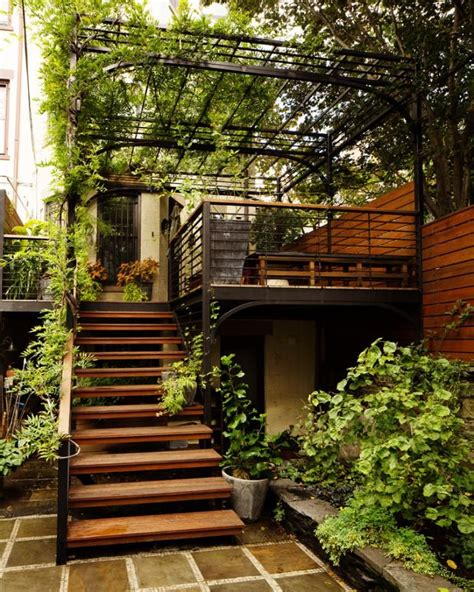 outdoor stairs ideas  pinterest deck railings