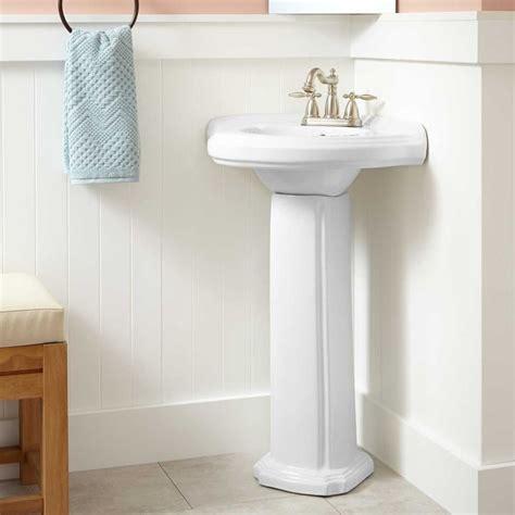 Corner Pedestal Sinks For Small Bathrooms by Best 25 Corner Pedestal Sink Ideas On