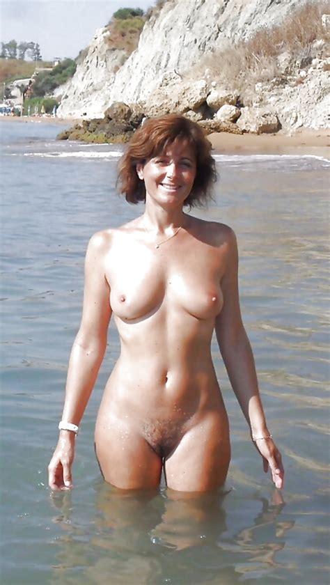 My Sexy Mum 33 Pics