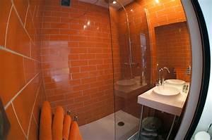 Salle De Bain Orange : salle de bain orange 1appart ~ Preciouscoupons.com Idées de Décoration