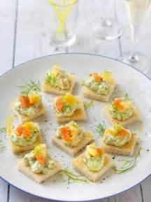 canap saumon fum canapés de crème de saumon fumé à l 39 avocat recette