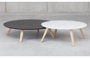 Table Basse Ronde Blanche : oblique table basse ronde en bois prostoria meuble ~ Teatrodelosmanantiales.com Idées de Décoration