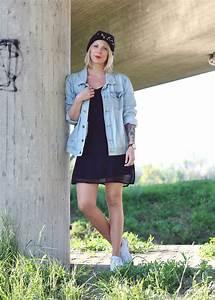 Kleid Mit Jeansjacke : fashionblogger karlsruhe outfit jeansjacke kleid sneaker beanie daniel wellington dapper 4 ~ Frokenaadalensverden.com Haus und Dekorationen