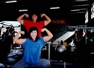 Tomoko Kanda (f), Paula Suzuki (r)