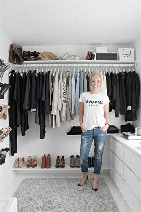 Regale Für Begehbaren Schrank by 1001 Ideen F 252 R Offener Kleiderschrank Tolle Wohnideen