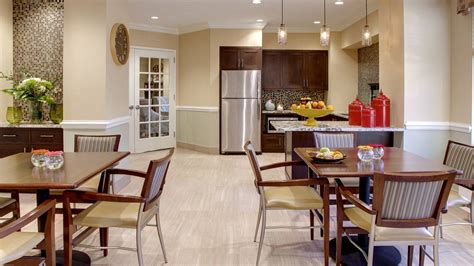 assisted living and memory care in ny atria kew