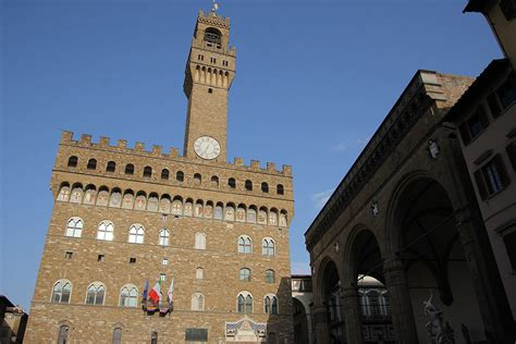 Originally called the palazzo della signoria, after the signoria of florence, the ruling body of the republic of florence. File:Firenze, Palazzo Vecchio (04).jpg - Wikimedia Commons