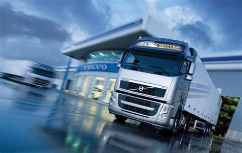 geely buys   volvo trucks sweden