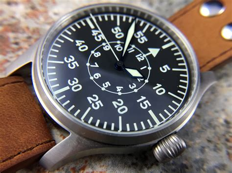 stowa flieger klassik  baumuster  uhr hands  review