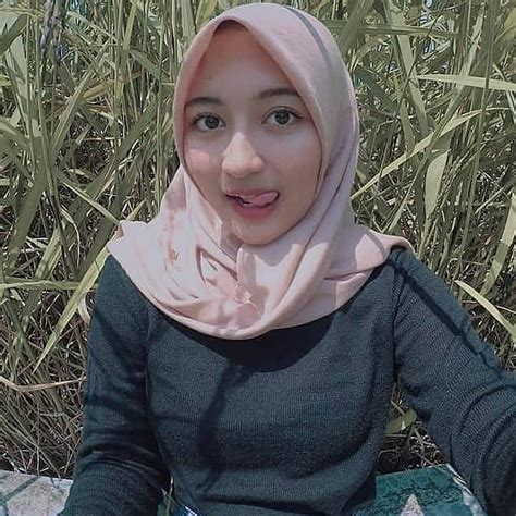 News and discussions about twitter welcome. Pin on Jilbab cantik