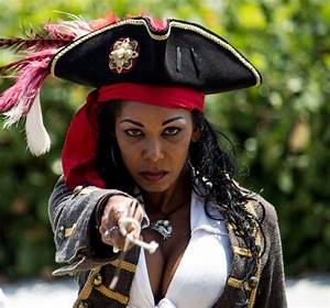 81 best images about Pyrate Wenches Ethnic on Pinterest ...
