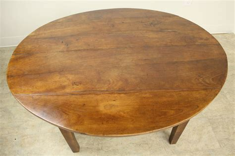 antique oval coffee table antique oval cherry coffee table at 1stdibs