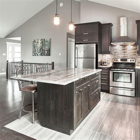 comptoir de cuisine quartz ou granit cuisines beauregard cuisine réalisation 357 armoires